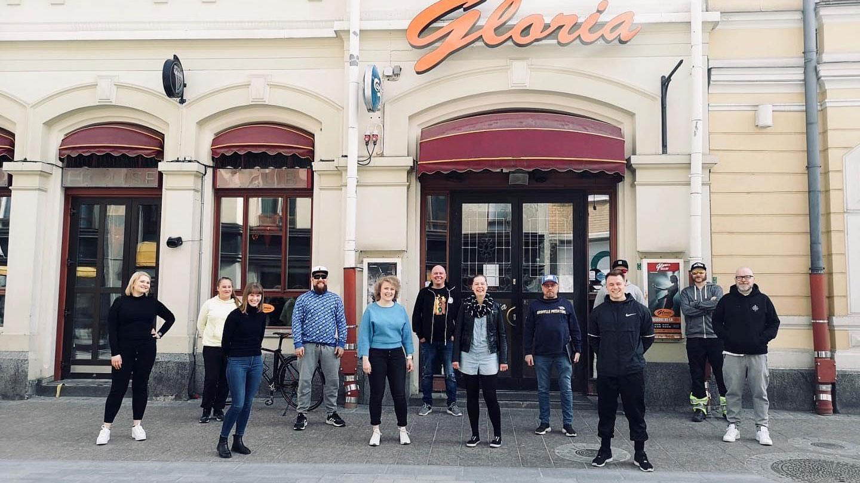 Vararengasravintoloiden ravintolapäälliköt Glorian edustalla